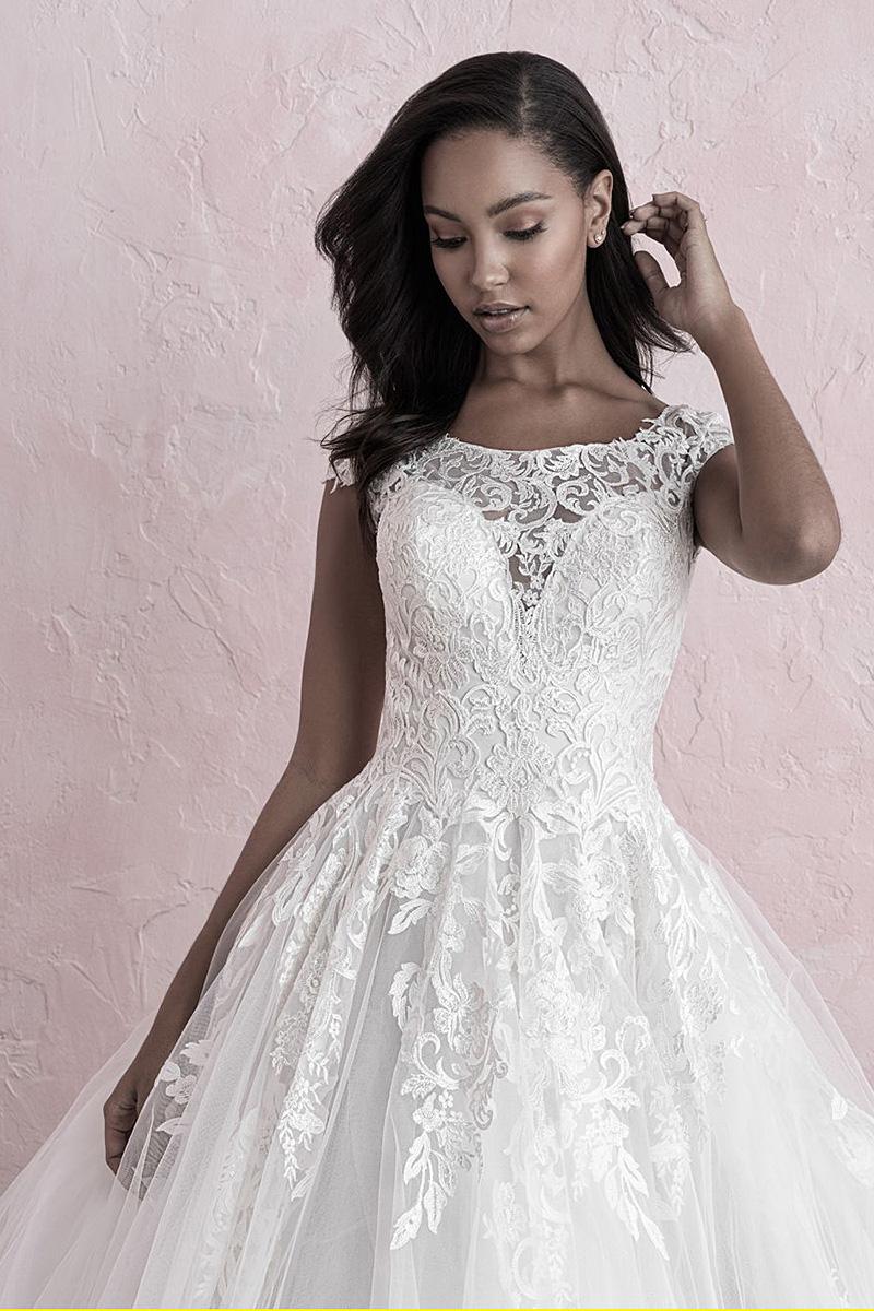 3260 Allure Roamnce Wedding Dress