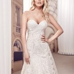 Classic A-line beauty with impeccable lace Wedding Dress